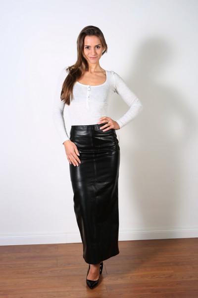 Superlanger Luxus-Lederrock in der Farbe schwarz, Grösse 36