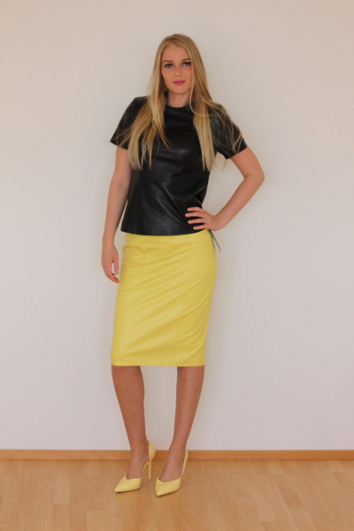 Luxus-Lederrock in der Farbe gelb, Pencilskirt / Bleistiftrock, Grösse 36