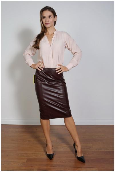 Luxus-Lederrock in der Farbe bordeaux, Pencilskirt / Bleistiftrock, Grösse 44