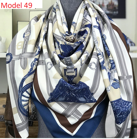 Model 49, Tuch 130x 130 cm, mehrfarbig, Seidentwill