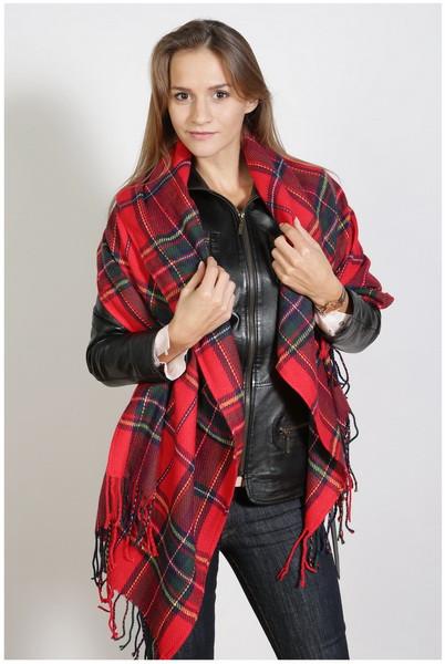 Karierter Schal , Größe 200 x 60 cm, Grundfarbe rot