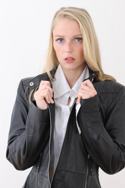 Taillierte Lederjacke in schwarz - Grösse XXXL