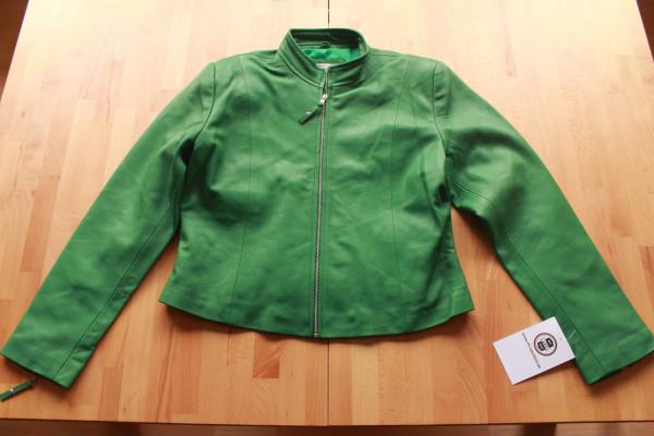 Taillierte Lederjacke in grün - Grösse L