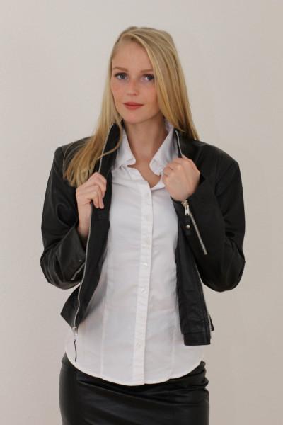 Taillierte Lederjacke in schwarz - Grösse XL
