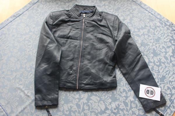 Taillierte Lederjacke in dunkelblau - Grösse XL
