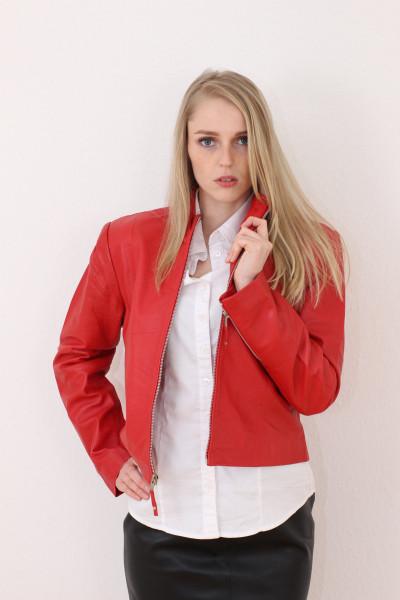 Taillierte Lederjacke in rot - Grösse M