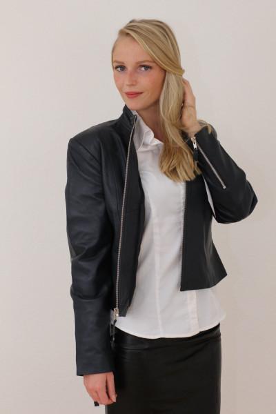 Taillierte Lederjacke in schwarz - Grösse M