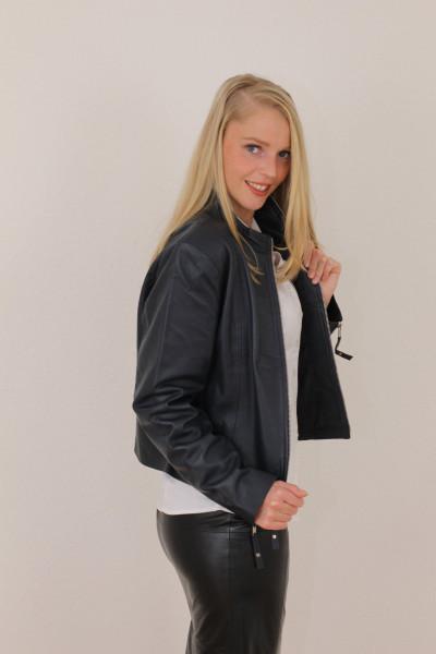 Taillierte Lederjacke in schwarz - Grösse XXL