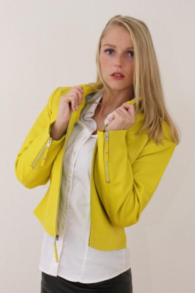 Taillierte Lederjacke in gelb - Grösse XL